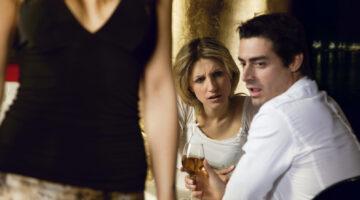 Women Instinctively 'Guard' Desirable Men From Ovulating Women