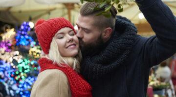 Christmas Kissing: How Mistletoe Became a Kissing Cue