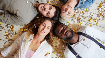 1 in 6 Single Americans Report a Desire to Try Polyamory