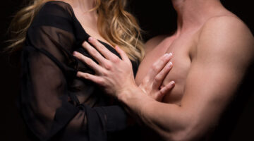 How Men and Women Feel About Having Their Nipples Stimulated